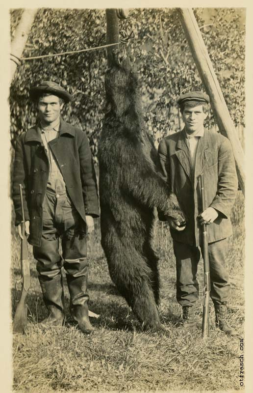 Unnumbered O. T. Frasch Image - Washington Bear Hunters